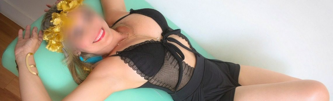 Karen laços | Massagistas