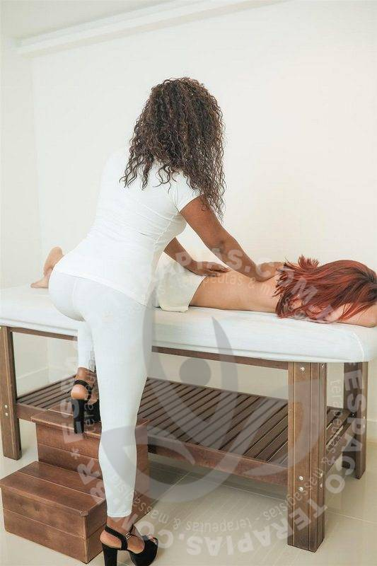 Nubia Copa | Massagistas
