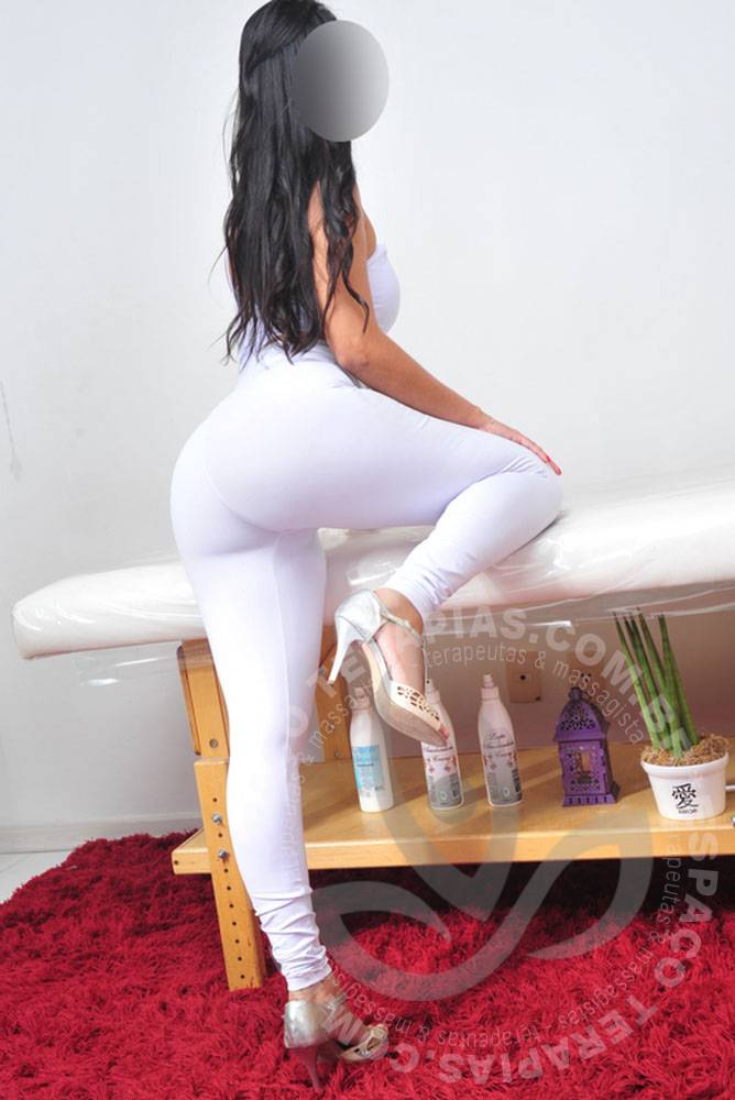 Camila Cristal | Massagistas