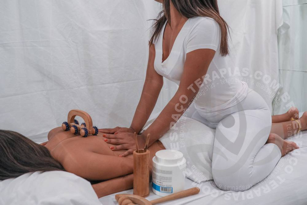 Larissa | Massagistas
