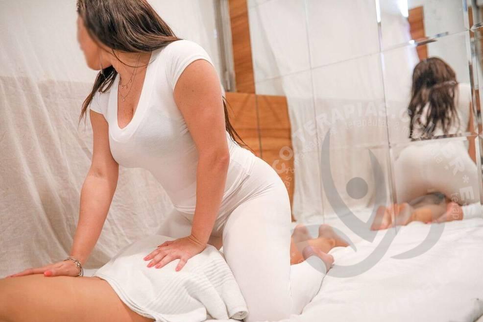 Mariana Dudas | Massagistas