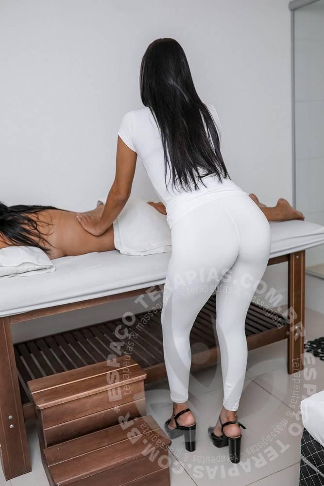 Aline Bel | Massagistas