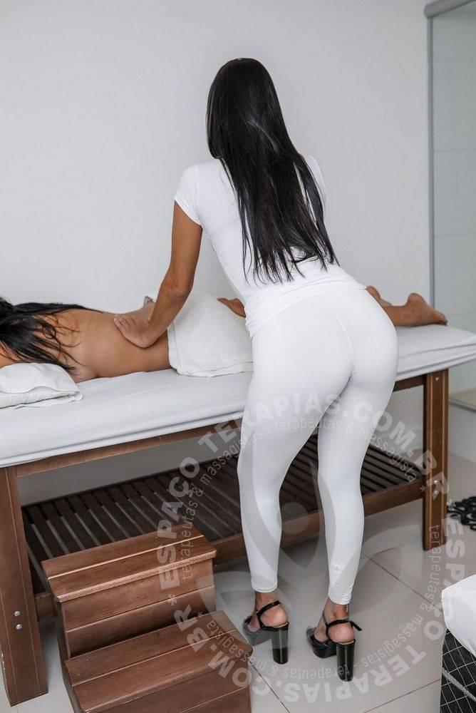 Aline Copa | Massagistas