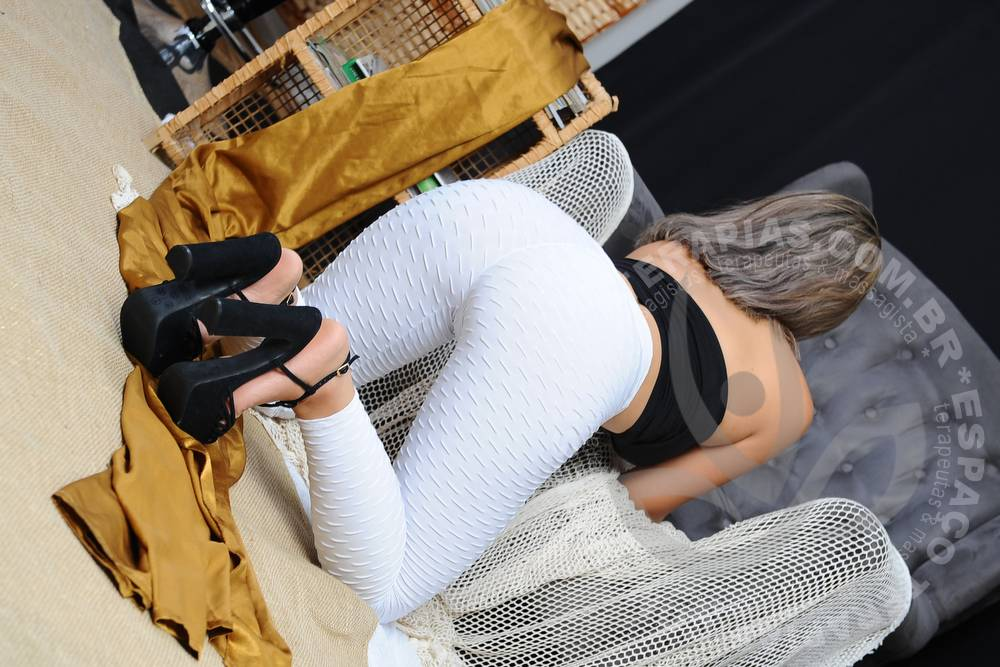 Luiza Eden | Massagistas